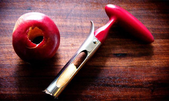التفاح مزيل الأساسية