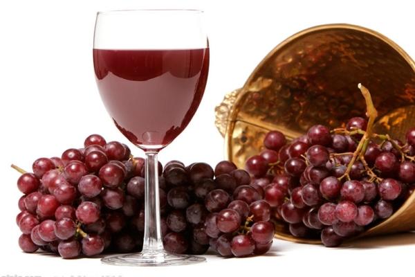 محلية الصنع Lidia النبيذ